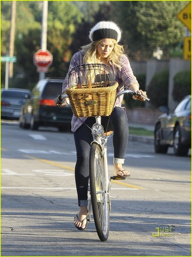 Hilary & Mike out in LA
