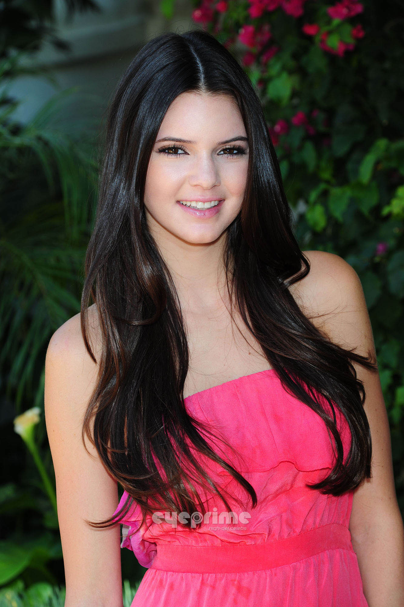 Kendall Jenner Looks Pretty In Pink For A Photoshoot