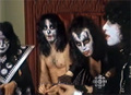 Kiss 1974 (0_0)