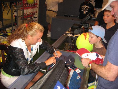 Kvitova autograph