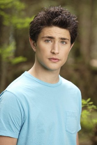 Kyle XY wallpaper containing a jersey called Kyle XY || Matt Dallas