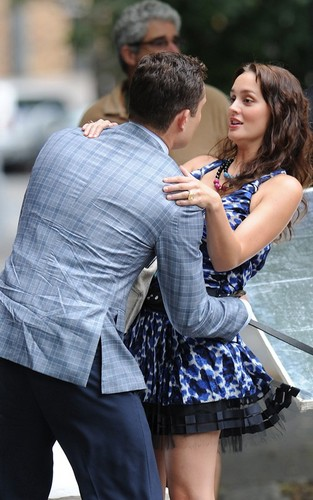 "Leighton Meester and Ed Westwick doing a foto shoot promotion for ""Gossip Girl"" (August 9)."