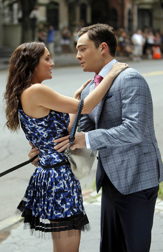 Leighton Meester and Ed Westwick filming Gossip Girl in NY, Aug 9