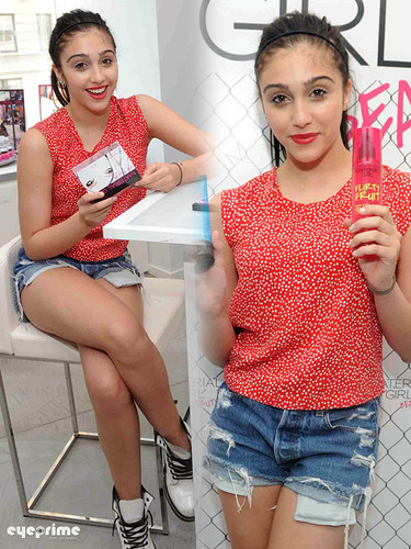 Lourdes Ciccone Leon wallpaper probably containing a sign called Lourdes Leon promotes her Material Girl Make Up Range at Macys in NY, Aug 8