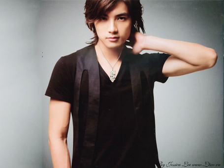 http://images4.fanpop.com/image/photos/24400000/Mike-He-asian-characters-24418432-455-341.jpg