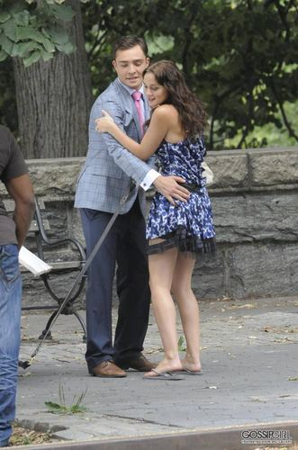 और of Ed and Leighton on set - August 9th, 2011