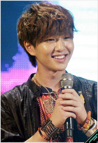 Lee Jinki / Onew Обои titled Onew