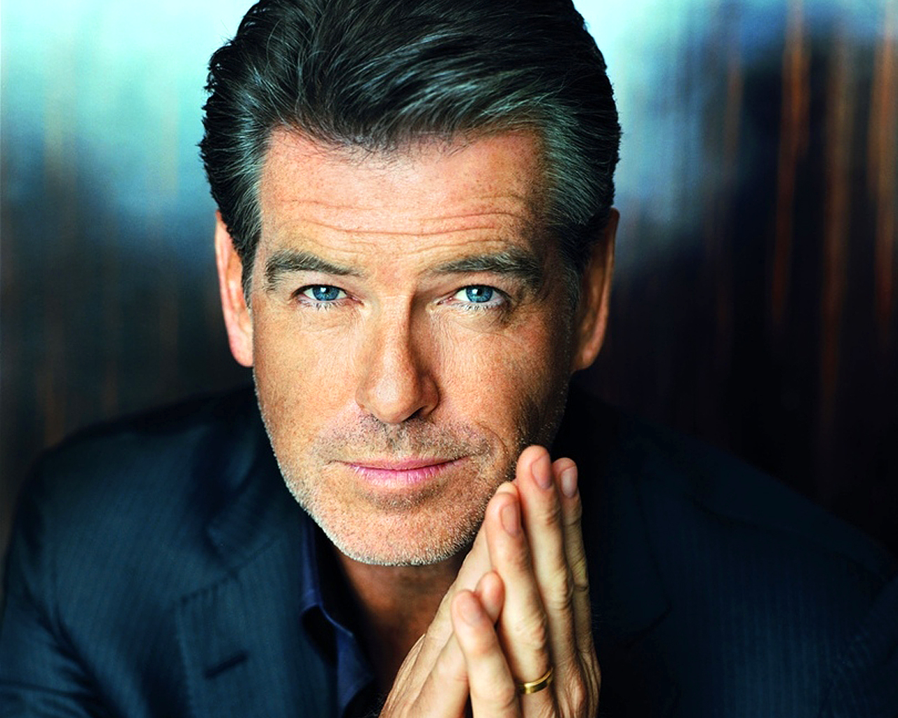 PIERCE BROSNAN COOL - ...