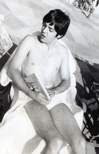 Paul McCartney wolpeyper containing skin entitled Paul McCartney