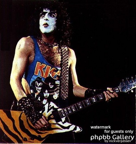 Paul Stanley wallpaper probably containing a guitarist entitled Paul ☆