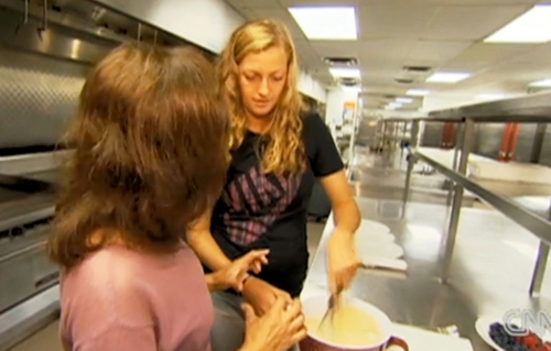 Petra Kvitova cooks in CNN - petra-kvitova Screencap