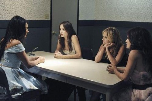 Pretty Little Liars - Episode 2.12 - Over My Dead Body - Promotional 照片