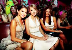 Selena @ TCA