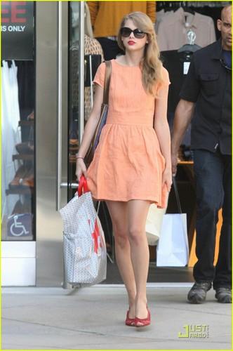 Taylor Swift: Pretty in 桃, ピーチ