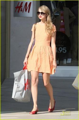 Taylor Swift: Pretty in melokoton