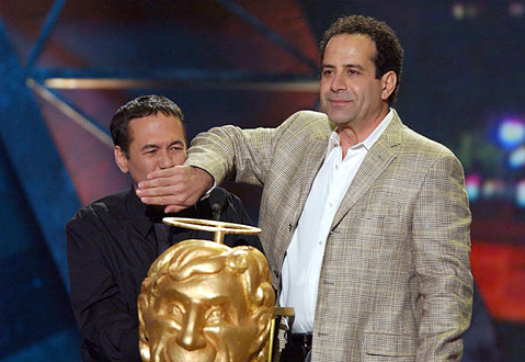 Tony Shalhoub দেওয়ালপত্র possibly with a business suit titled Tony