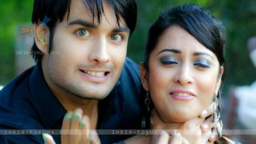 Vivian Dsena karatasi la kupamba ukuta containing a portrait called Vivian having fun on the set of PKYEK with Madhura Naik
