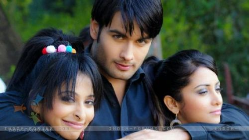 Vivian having fun on the set of PKYEK with Madhura Naik