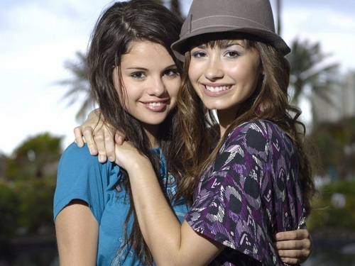 selena and demi achtergrond