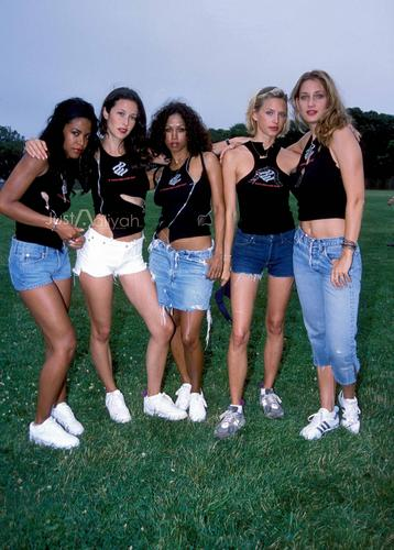 Aaliyah wallpaper titled Bad Boy Records 4th of July Softball and Barbecue Party