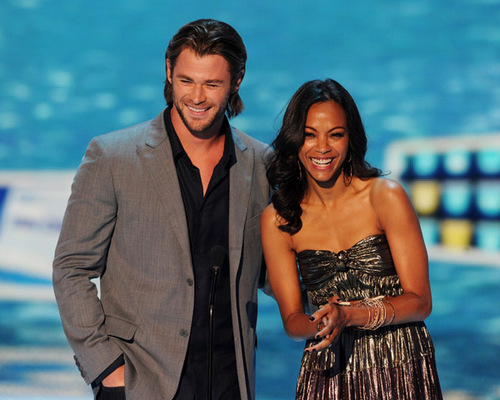 Chris and Zoe Saldana at Teen Choice Awards (August 7th, 2011)