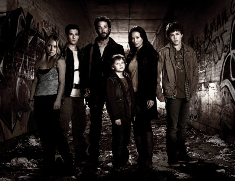 Falling Skies Cast Poster (Maggie)