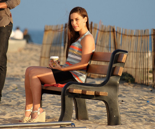 "Jessica Lowndes films a romantic пляж, пляжный scene on the set of ""90210"" in Los Angeles"