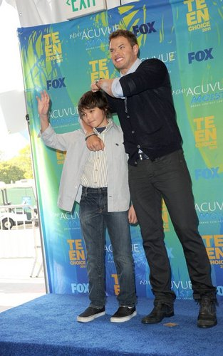 Kellan Lutz at Teen Choice Awards 2011
