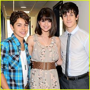 Selena Gomez, Jake T. Austin, and David Henre