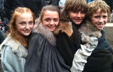 House Stark 바탕화면 containing a 모피 코트 called Stark family
