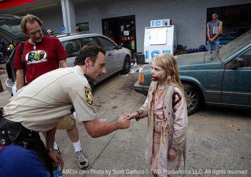 TWD - Behind the Scenes - the-walking-dead Photo
