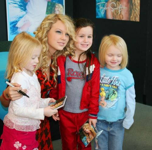 Taylor and her fans =W=