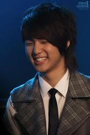 Kang Min Hyuk 壁纸 probably with a business suit, a suit, and a double breasted suit titled eye smile