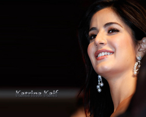 Katrina Kaif fond d'écran with a portrait called katrina