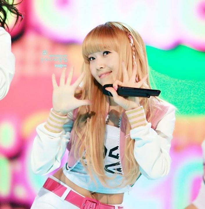 Who looks better in blonde hair? - Girls Generation/SNSD - Fanpop