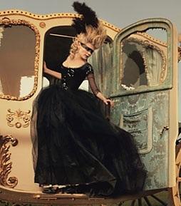 Marie Antoinette Masquerades 552481_1286098865156_full