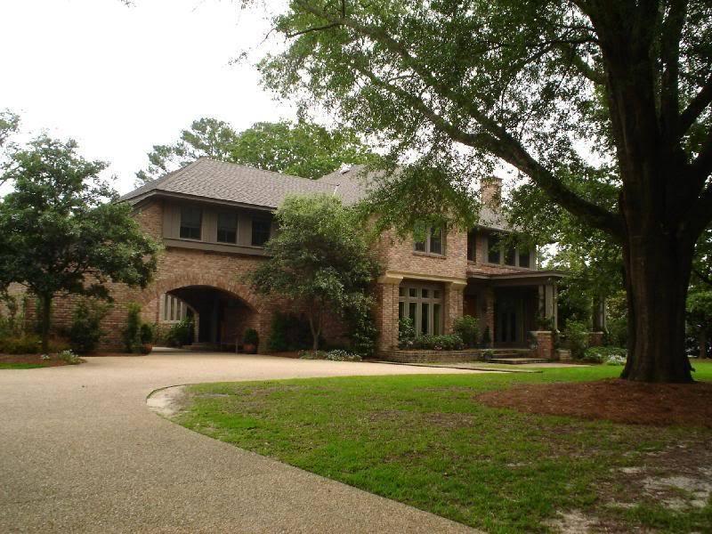 (Dan, Deb, & Nathan's House) 1621 Country Club Rd