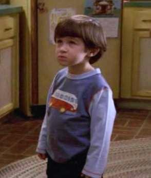 Doesn T Jamie Look Like A Small Version Of Spence From King Of Queens Malcolm Mittendrin Fanpop
