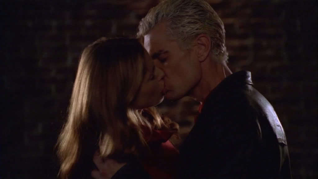 When do buffy and spike start dating