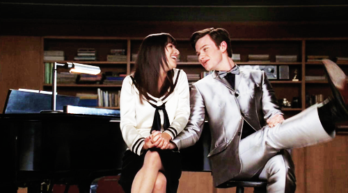 Glee  season 6 discussion and spoiler thread--Part 2 - Page 2 722370_1305877433698_full