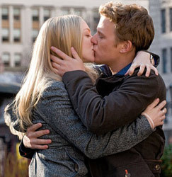 Which kiss is hotter ? Poll Results - Amanda Seyfried - Fanpop