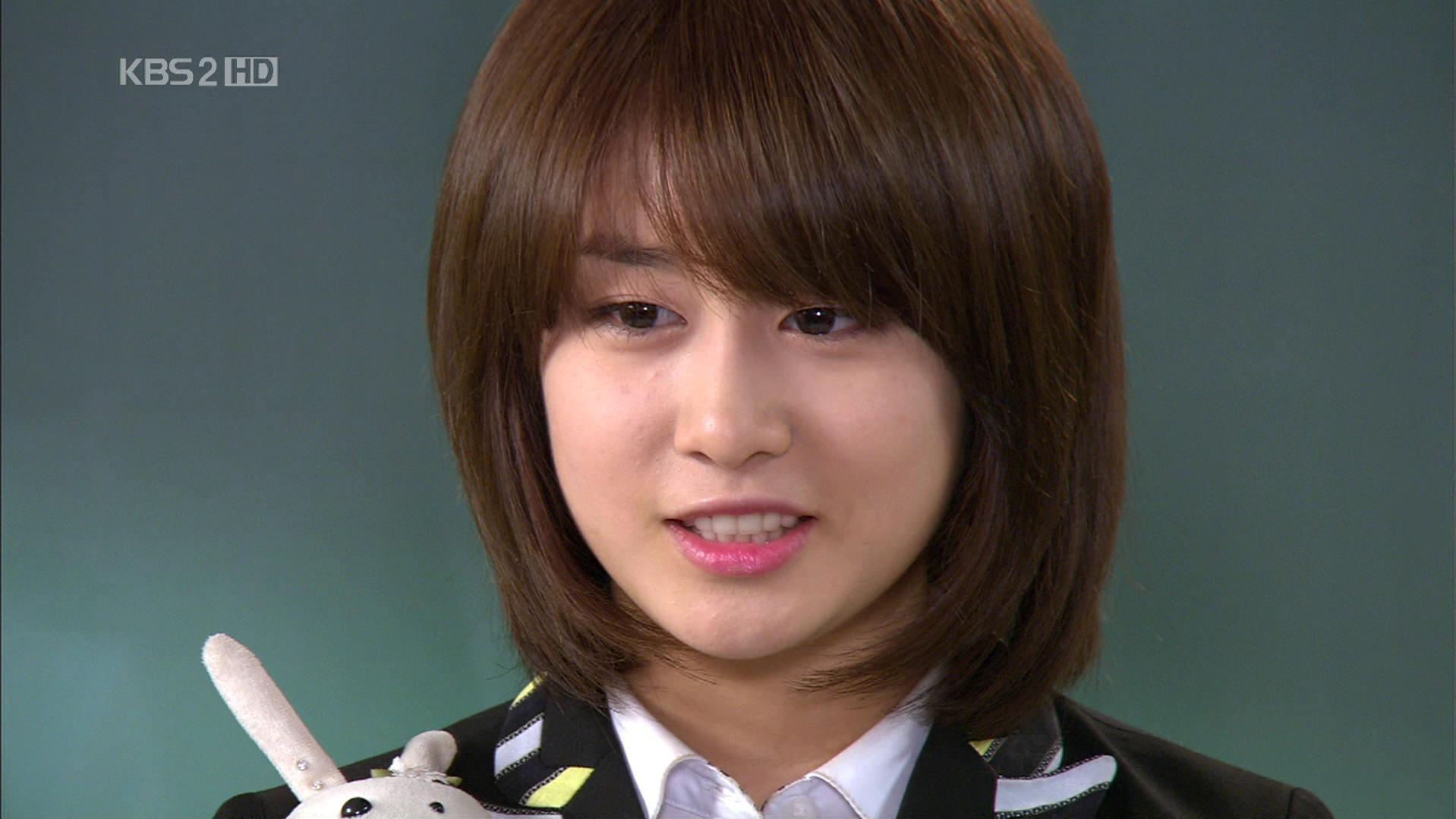 Wondrous Who Get The Best Look With Short Hairstyle Girls Generation Short Hairstyles Gunalazisus