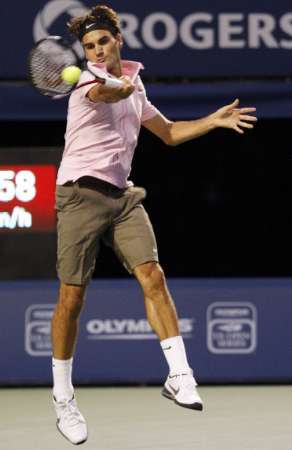 Who is Roger Federer's opponent in Rogers Cup 2010 final?