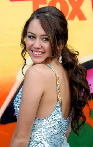 How Old Is On This Photo Miley