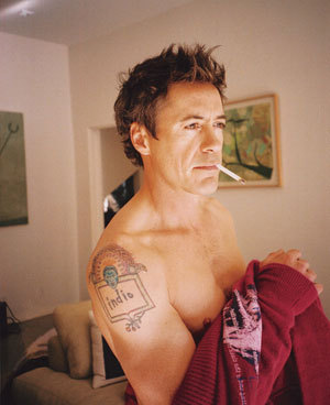 HOW MANY tatoos ROBERT HAVE?