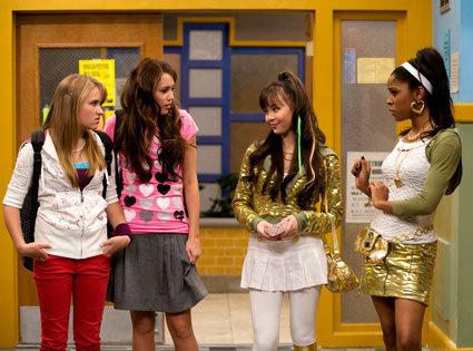 Miley n Lilly r friend of amber n ashley