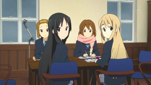 (S2)In EP22, what song does Azunyan play the rhythm guitar part unplugged for, while the other girls are trying to study?