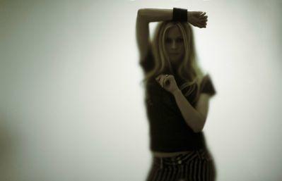 true oder false: mint gives Avril a headache