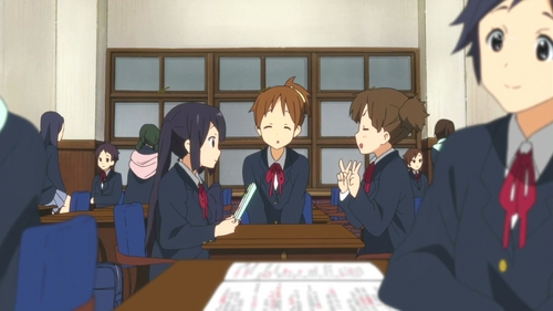 What class at Sakuragaoka HS are Azunyan, Jun, and Ui in?