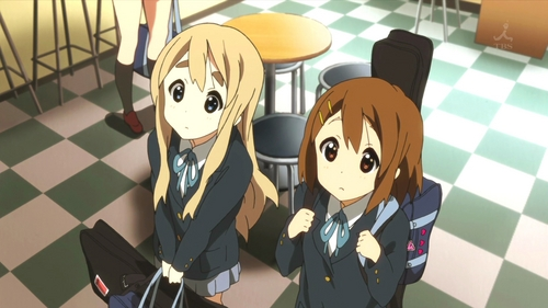 (S2)In EP17, when HTT rent a studio to practice, Yui and Mugi look at ads for musicians wanted. Were there more for bassists or drummers?